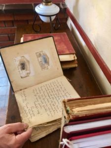 Tag et kig i de gamle gæstebøger